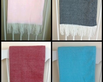 Luxury Soft Sofa Throw Warm Blanket 130 x 170 cm with Fringe Colours Pink / Blue / Black / Red