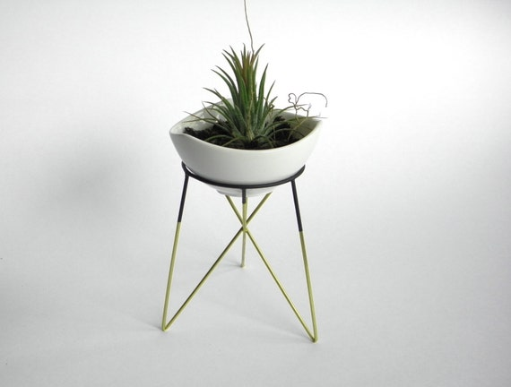 Items similar to s geometric plant stand with a little white ceramic flower pot himmeli - Flower pot stands metal ...