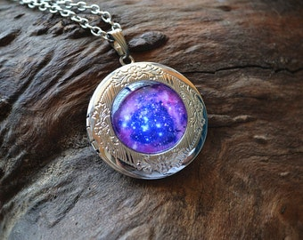 Galaxy Necklace, Purple Galaxy Locket Necklace,Starry sky Pendant, Nebula Necklace, Universe Jewelry, Galaxy Photo frame universe space