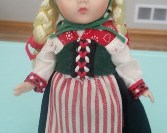 Vintage Ginny Vogue Scandinavia Doll Far Away Lands Free Shipping