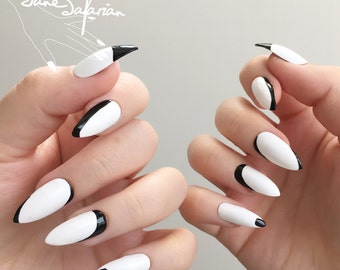 Reusable Minimalist Monochrome Press-On Nails (Set of 24)