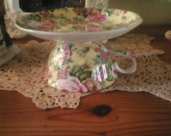 Vintage Teacup and Saucer Holder