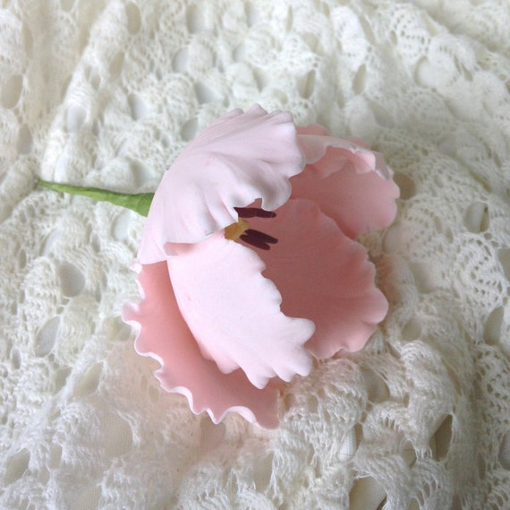 Parrot Tulip Blush Pink Sugar Flower for wedding cakes, gumpaste flowers, cake toppers