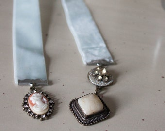 Pendant Bookmark
