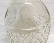 Crown and Grape Vintage Cut Decanter With Stopper. MINT Condition. Wine or Liquor Decanter!