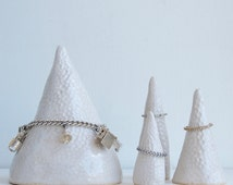 White ceramic bracelet cone, bracelet storage, bracelet holder, handmade  bracelet cone, bracelet display, jewellery display cone, ring cone
