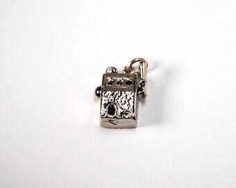Sterling Silver 925 Vintage Bracelet Charm Casino Slot Machine - 3.8g 5144