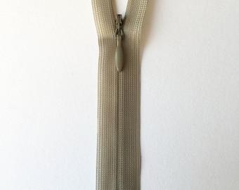 Beige/pale grey concealed zips (25cm)