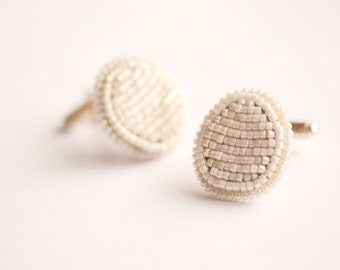 Ivory cufflinks- Beaded cufflinks- Oval cufflinks- Pale cufflinks- Bead embroidery cufflinks- Groom's cufflinks- Men's jewelry