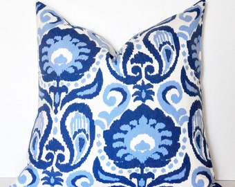 IKAT PILLOW COVER // Blue and White Ikat, Blue Ikat, Ikat Pillow, Blue Pillow