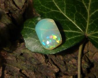 Opal Cabochon, 3,6ct Ethiopian Welo Opal