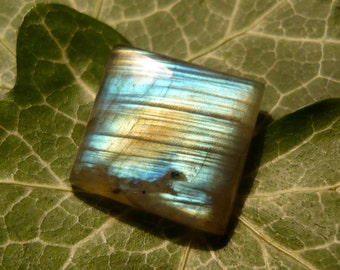 Labradorite Cabochon, 14,35ct Rectangular Shape