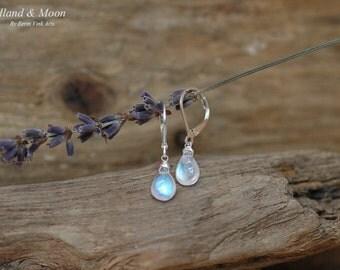 Moonstone earrings, drop earrings, dangle earrings, briolette jewelry, leverback earrings, gemstones, sterling silver 925, blue moonstone