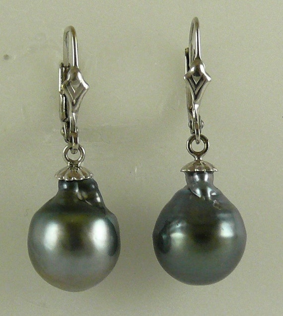 Tahitian Baroque Pearl 10.9 mm x 14.6 mm Earrings with 14k White Gold Leverback