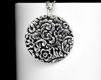 Bohemian Jewelry - Flower Print Circle Necklace - Boho Necklace - Daisy Pendant - Gypsy Jewelry - Fine Silver Flower Charm