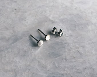 Sterling silver 3mm round flat studs, Silver 3mm ear studs, round earrings, Cartilage stud, Minimal studs (ES213)