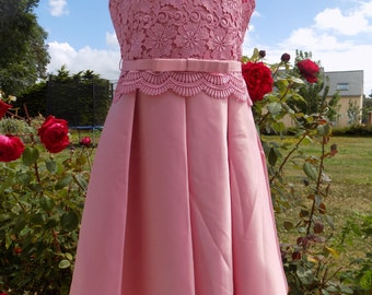 lace dress, ceremonial dress, Cotton satin, 10-year-old girl