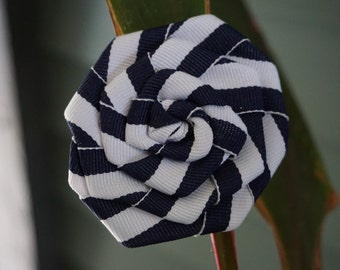 Stripe rosette hair clip