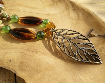 Pendant, necklace, leaf, leaf, brown, brown, green, green, stone, natural