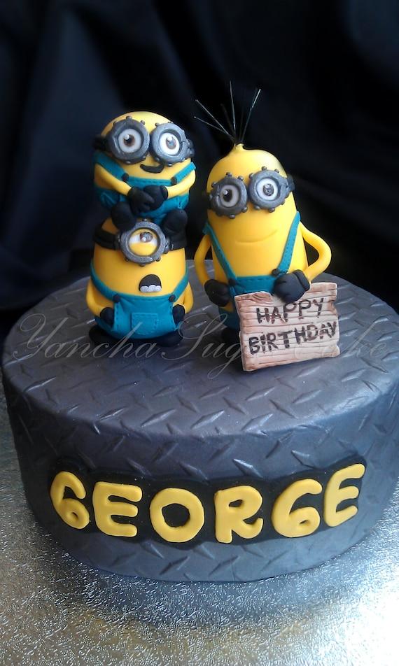 cake set 3 figures with name plaque Minion party birthday Minion cake ...