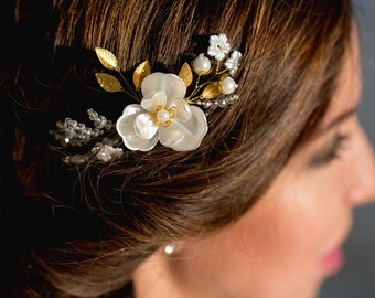 Bridal Comb with Peal Flowers Flower Bridal Hair Comb Bridal Headpiece Bridal Hair Piece