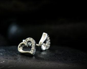 Angel heart earrings with Swarovski Crystal set in a rhodim finish