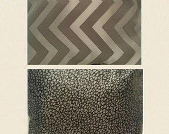 2 print, Flip Pillow
