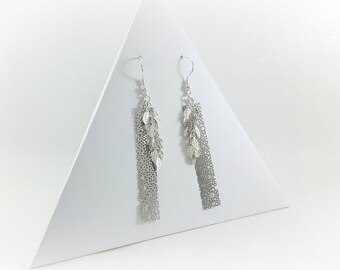 Dangling earrings filigree