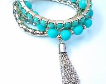 teal bracelet. teal beaded bracelet. dangle bracelet