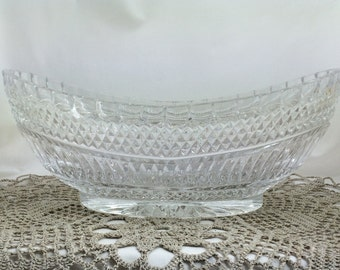 Glass Fruit Bowl, Wedding Gift, Glass Centerpiece, Vintage Glass, Mid Century Glass, Elegant Glass Bowls, Flower Display