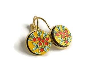 Red tulips earrings, textured tulip earrings, painted earrings, tulip jewelry, flower earrings, nature jewelry, tulip wood earrings, tulips