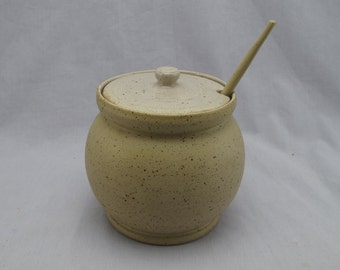 Handmade ceramic sugar bowl (wheel thrown)