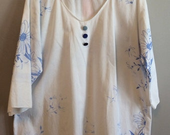 1x/2x Tunic - White/Blue Floral