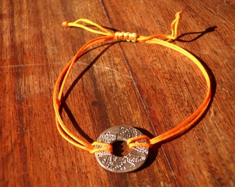 Bracelet engraved by hand