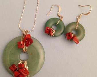 Green and Red Doughnut Necklace and Earrings