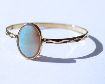 Vintage Pure Solid Gold 19,2k Ring with Opala