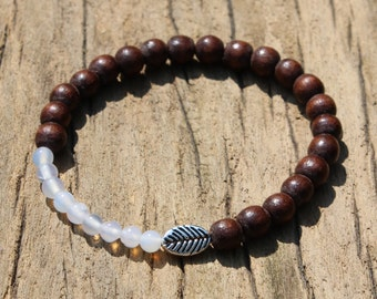 Leafy agate bracelet