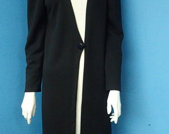 Nili 2 II  Black and White Long Sleeve Wool blend Knit Dress. Made in the USA Vintage Womans Size 10. Stock # 03174