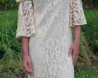 Vintage 60s Cream Ivory Lace Bow boho sleeves Wedding Dress