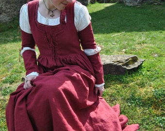 Renaissance medieval fairy tale dress Princess historical