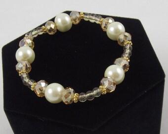Elegant Gold Stretch Bracelet