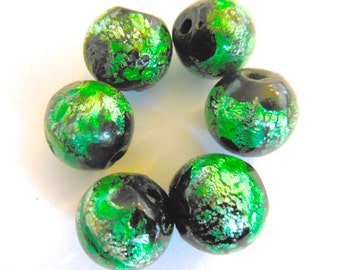 Vintage beads (6) Beautiful  salvaged reuse art glass round emerald green foil  focal beads handmade Japan 13mm (6)