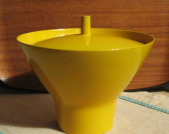 Mod Japanese yellow plastic lacquer bowl with lid KickstandProductions