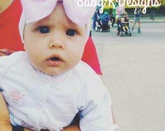Baby Girl Hat. Baby Girl Beanie. Newborn Hospital Hat. Newborn Baby Girl Beenie. Pink White Hat Bow. Baby Girl Coming Home Announcement Hat