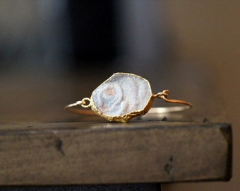 Agate Slice Bracelet , Druzy Geode Stacking Bangle , Gray White Blush , Gold Filled Bohemian Fashion  - Dune