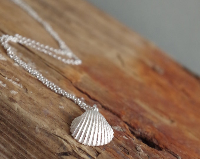 Shell Necklace Beach Baubles Dainty Jewerly Summer Necklace Bridesmaid Gift Beach Wedding