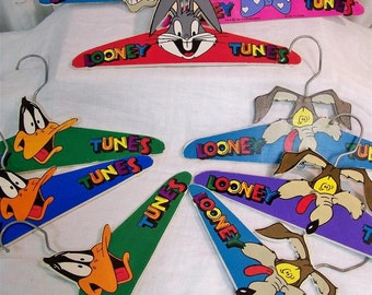 Set of 9 Looney Tunes Kids Hangers Warner Brother 90s Many Cartoon Characters