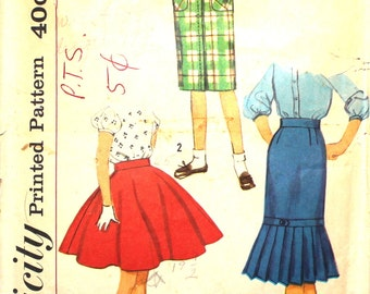 Set of Girl's Skirts Size 7 Simplicity 2817