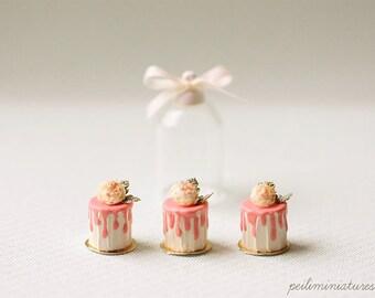 Dollhouse Miniature Food - Romantic Rose Buttercream Mini Cakes