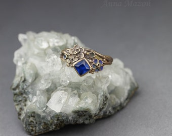 Twig ring with flowers - royal blue square OOAK